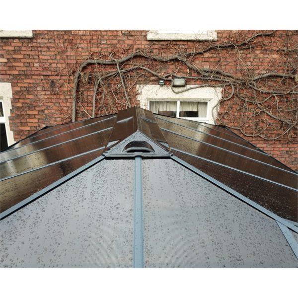kerti kiülő tető